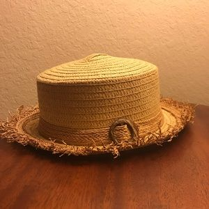 Accessories - Straw boater style hat